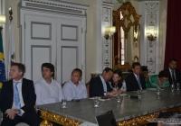 Prefeitura anuncia República de Jovens e programa 'Cuidar em Família'